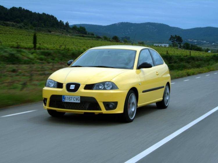 Фото SEAT Ibiza Cupra III - конкурент MINI Hatch R56