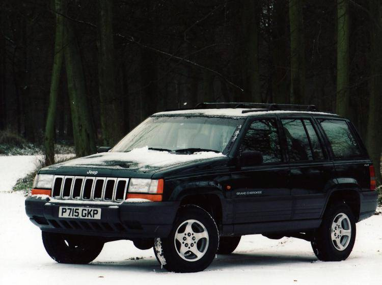 Фото Jeep Grand Cherokee ZJ рестайлинг - конкурент Isuzu Trooper II