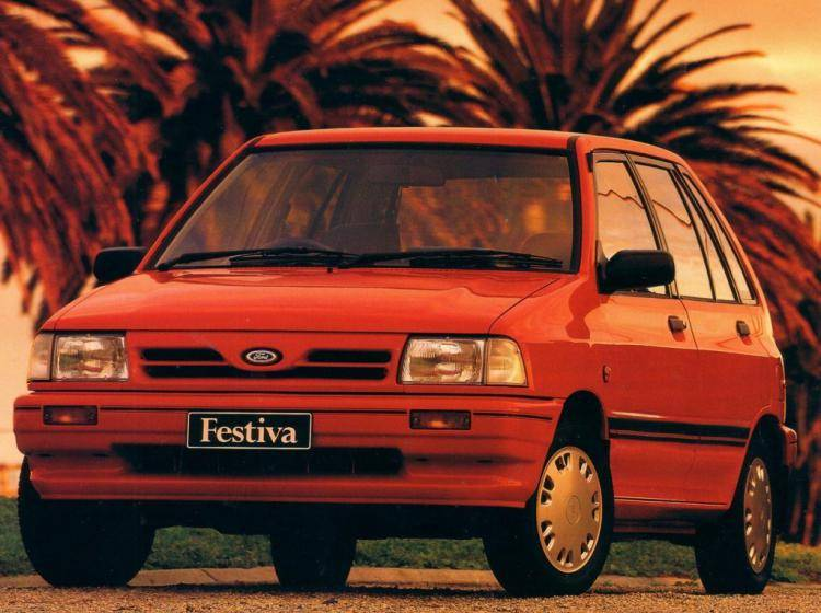 Фото Ford Festiva I - конкурент Suzuki Swift I