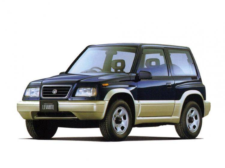 Фото Mazda Proceed Levante I - конкурент Isuzu Trooper II