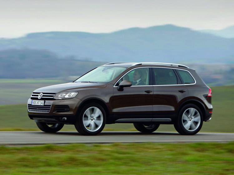 Фото Volkswagen Touareg II - схожий с Chevrolet TrailBlazer I рестайлинг