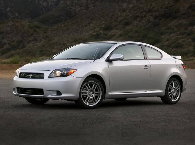 Фото Scion tC I рестайлинг - схожий с Ford Focus (North America) II