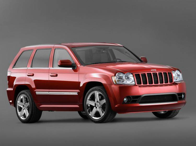 Фото Jeep Grand Cherokee SRT8 WK - конкурент Jeep Liberty KJ
