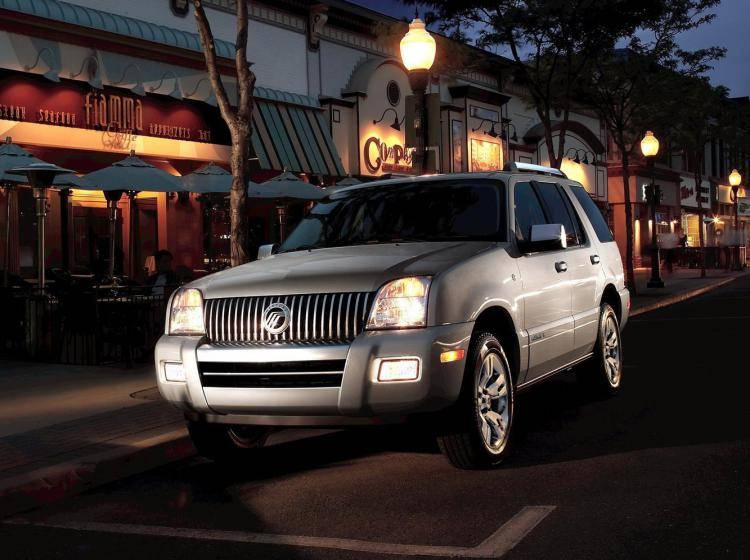 Фото Mercury Mountaineer I - схожий с Toyota Land Cruiser 70