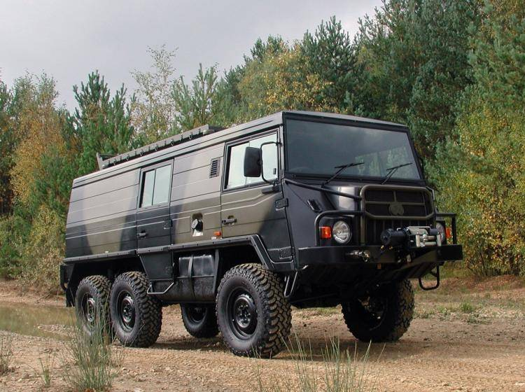 Фото PUCH Pinzgauer 718 - конкурент Toyota Land Cruiser 80