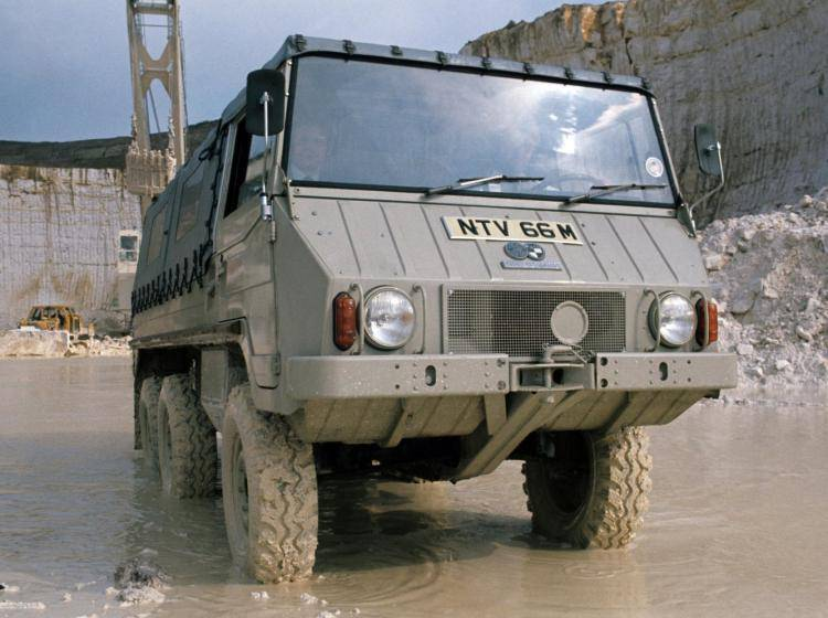Фото PUCH Pinzgauer 712 - конкурент Toyota Land Cruiser 70