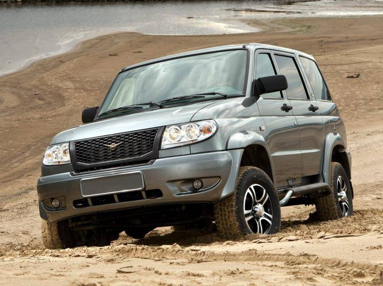 Фото УАЗ Patriot I - схожий с Toyota Land Cruiser 70