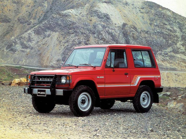Фото Mitsubishi Pajero I - схожий с Toyota Land Cruiser 70