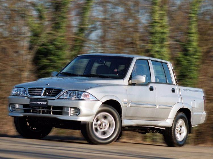 Фото SsangYong Musso I рестайлинг - конкурент Isuzu Trooper II