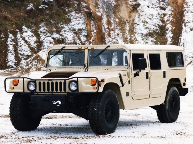 Фото Hummer H1 I - конкурент Isuzu Trooper II