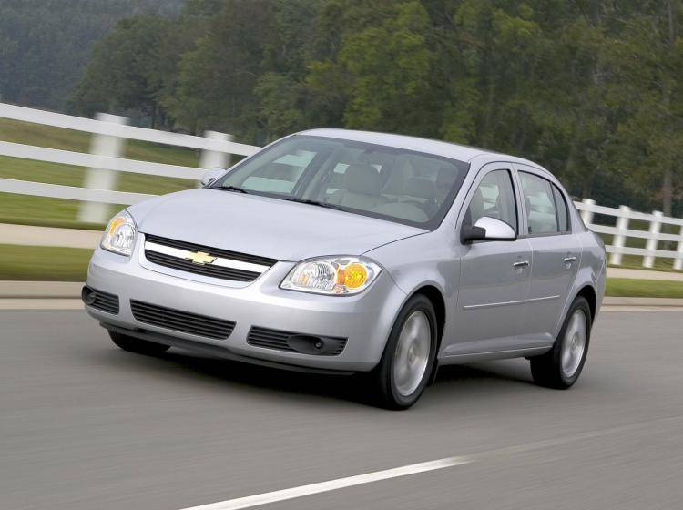 Фото Chevrolet Cobalt I - схожий с Ford Focus (North America) II