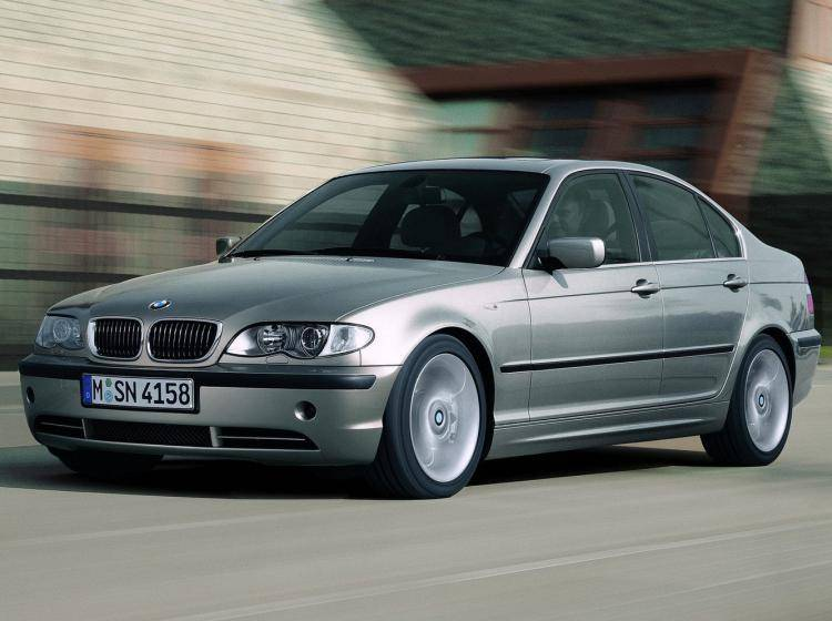 Фото BMW 3er E46 рестайлинг - конкурент Honda Civic Type R VIII