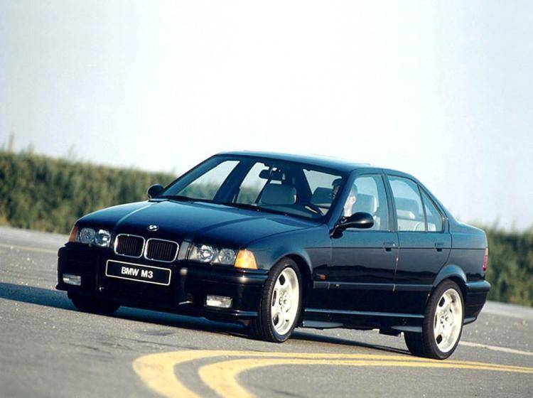 Фото BMW M3 E36 - конкурент Honda Accord IV