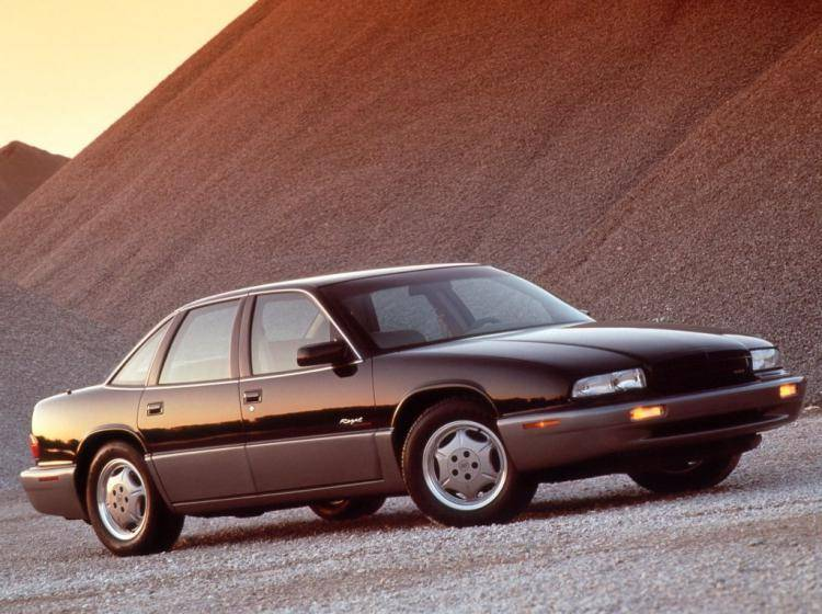 Фото Buick Regal III - конкурент Ford Taurus II