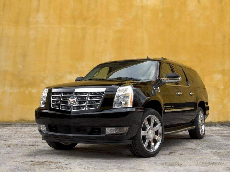 Фото Cadillac Escalade III - конкурент Mercury Mountaineer II