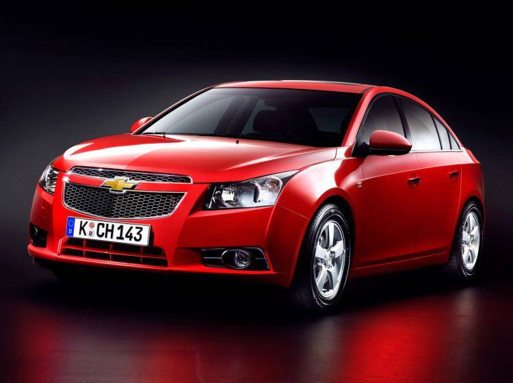 Фото Chevrolet Cruze I - схожий с Ford Focus (North America) II